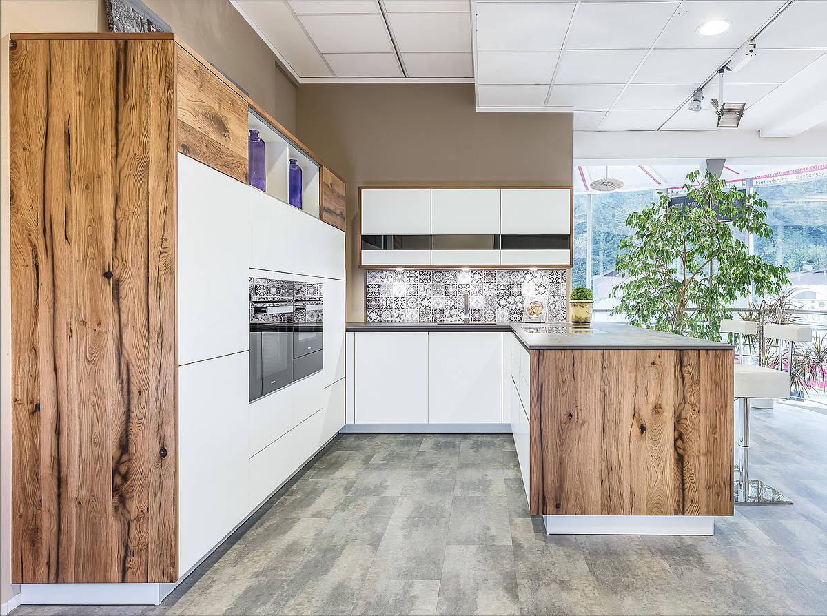 ausstellung sturm k chen wohnen. Black Bedroom Furniture Sets. Home Design Ideas