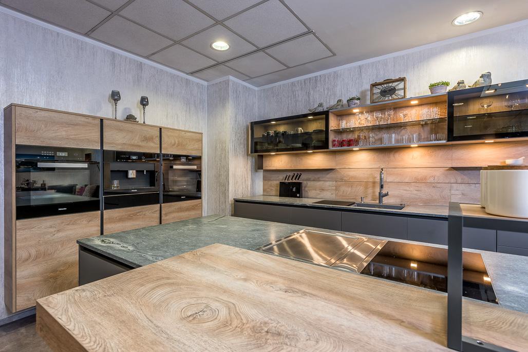 arbeitsplatte kuche bergeiche. Black Bedroom Furniture Sets. Home Design Ideas